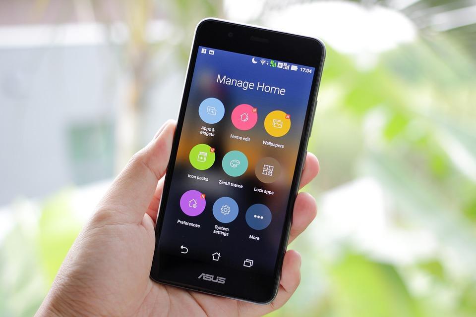 人造人間 Asusの電話 モバイル スマート フォン Android の携帯電話